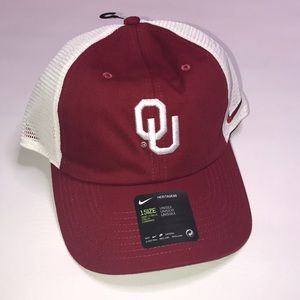 Nike OU hat
